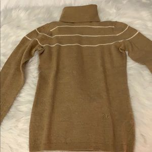 PRE- LOVED C WONDER TURTLENECK SWEATER